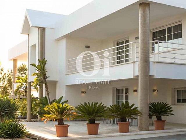 Façade de maison de séjour à Sant Rafael, Ibiza