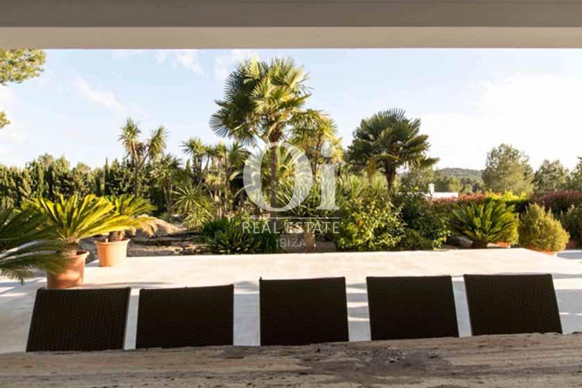 Jardin et véranda de maison de séjour à Sant Rafael, Ibiza