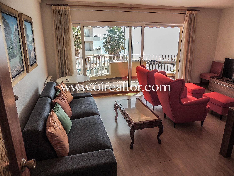 Солнечная квартира на первой линии пляжа с панорамным видом на море и Са Паломера в Бланесе
