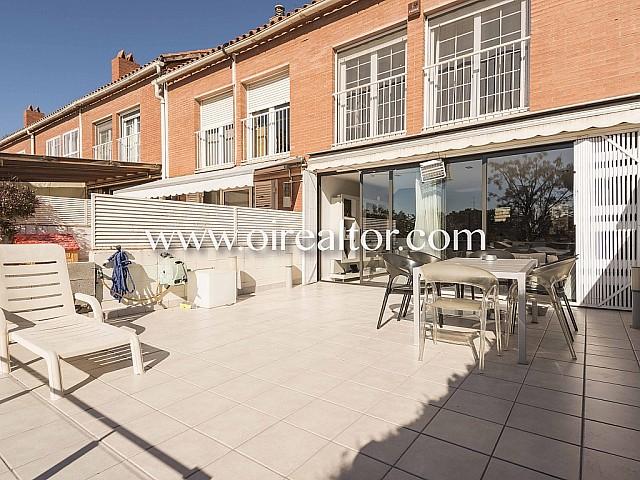 Fantàstica casa adosada a alquiler, semi nova a Ciutat Diagonal, Esplugues