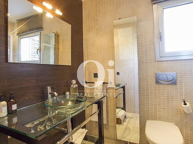 одна из ванных комнат фантастического дома на продажу в престижном городе Салоу