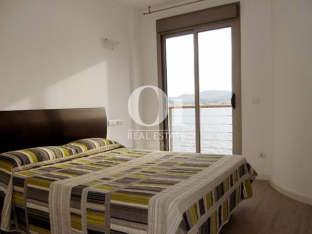 Chambre double d'appartement à vendre à Cala Gracio, Ibiza
