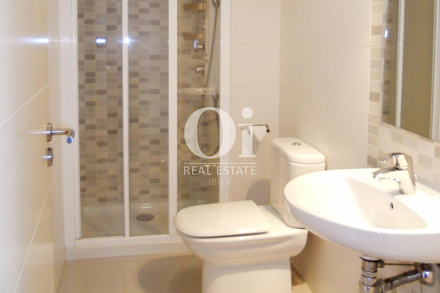 Salle de bain d'appartement à vendre à Cala Gracio, Ibiza