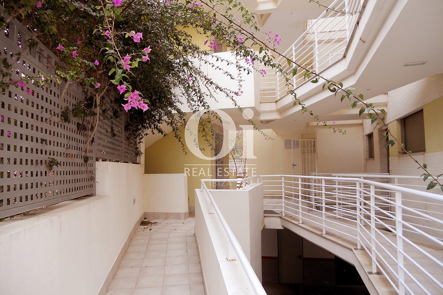 Acceso de piso en venta en Cala Gració, zona de Sant Antoni, Ibiza