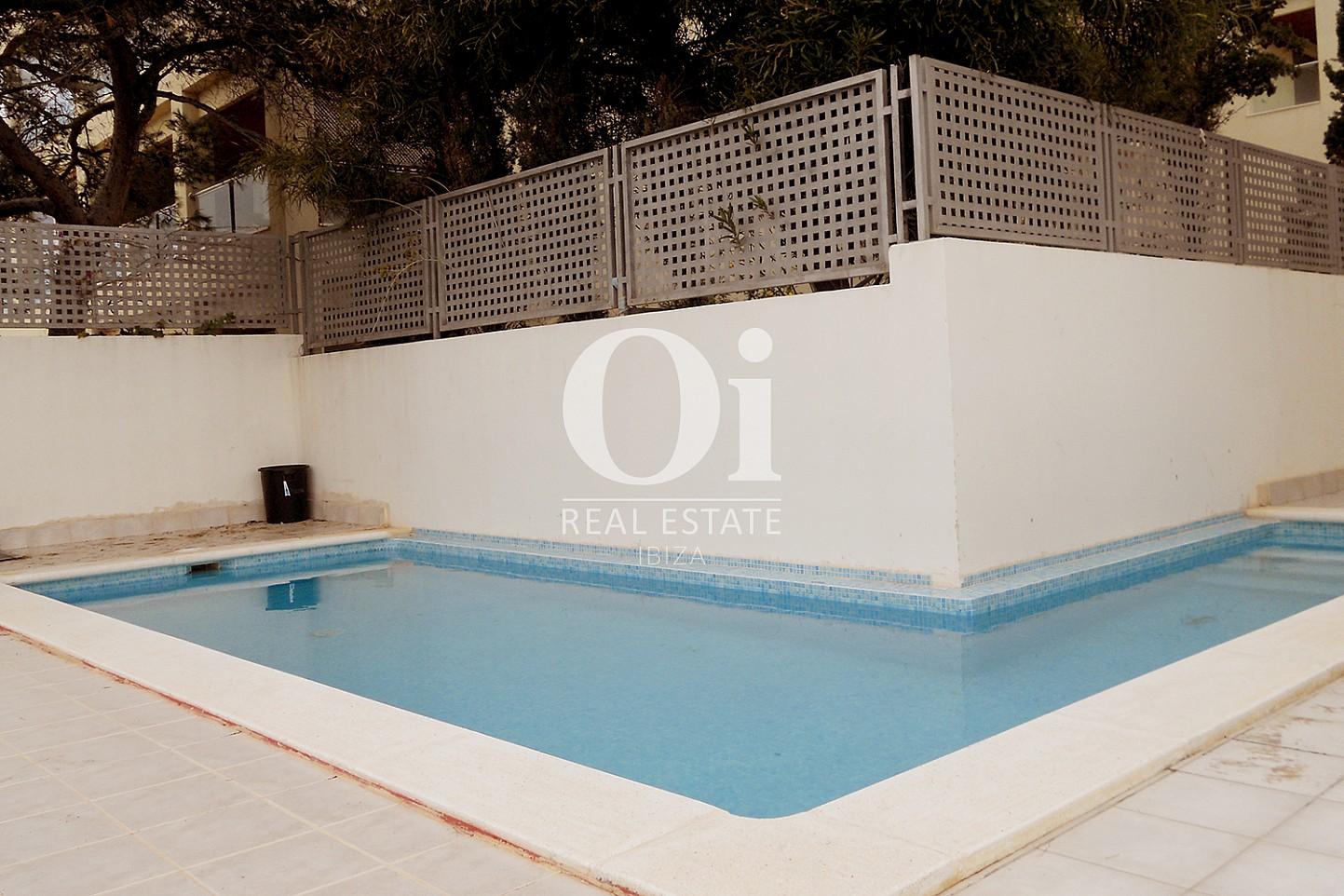 Piscina de piso en venta en Cala Gració, zona de Sant Antoni, Ibiza