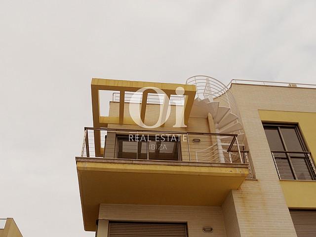 Terrasse et vues d'appartement à vendre à Cala Gracio, Ibiza