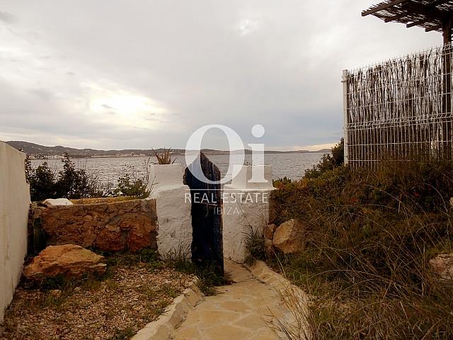 Petit jardin d'appartement à vendre à Cala Gracio, Ibiza