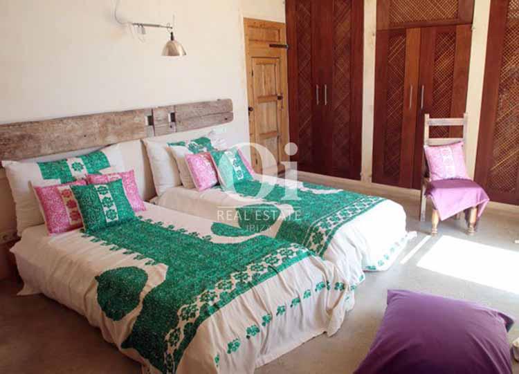 Habitación doble de casa de alquiler de estancia en Es Cubells, Ibiza