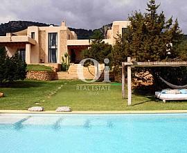 Elegante villa en alquiler desde 5.750 € por semana en Es Cubells, Ibiza