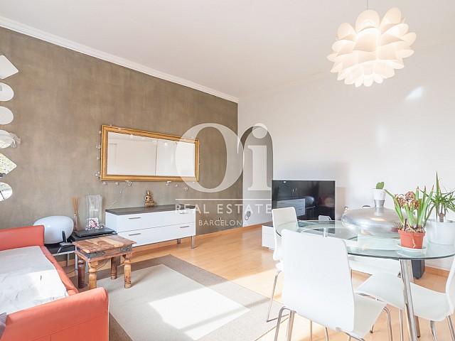 Blick in den Wohnbereich der Wohnung zu verkaufen in Poblenou