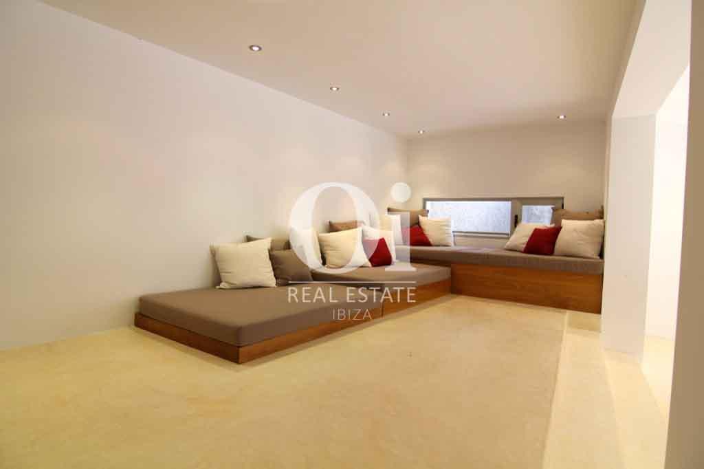 Красивый интерьер виллы на Ибице в аренду для приятного отдыха с близкими