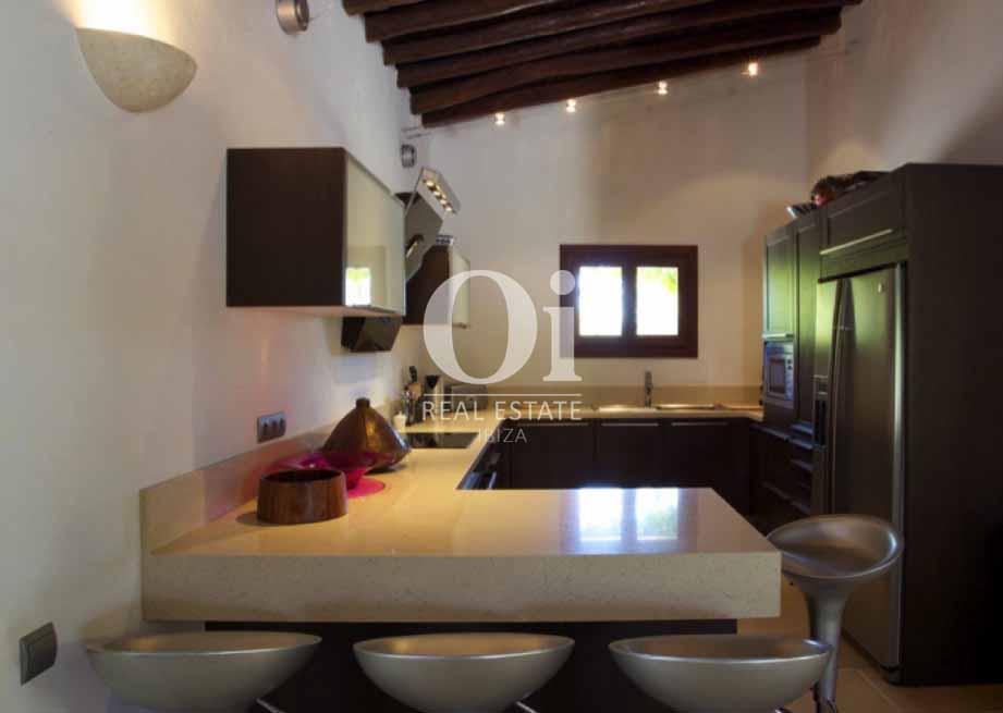 Cocina de casa en alquiler de estancia en Santa Gertrudis, Ibiza
