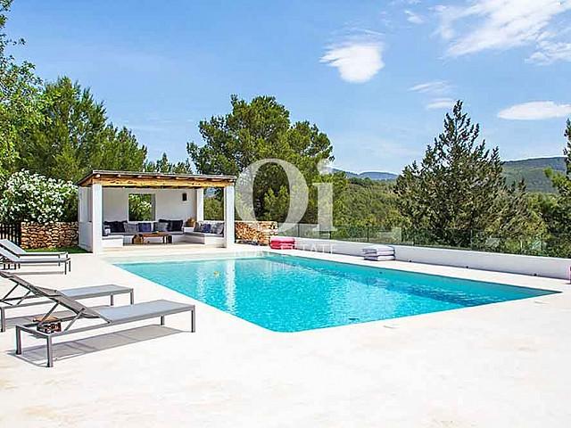 Piscina propia de magnifica villa en alquiler en Cala Jondal, Ibiza
