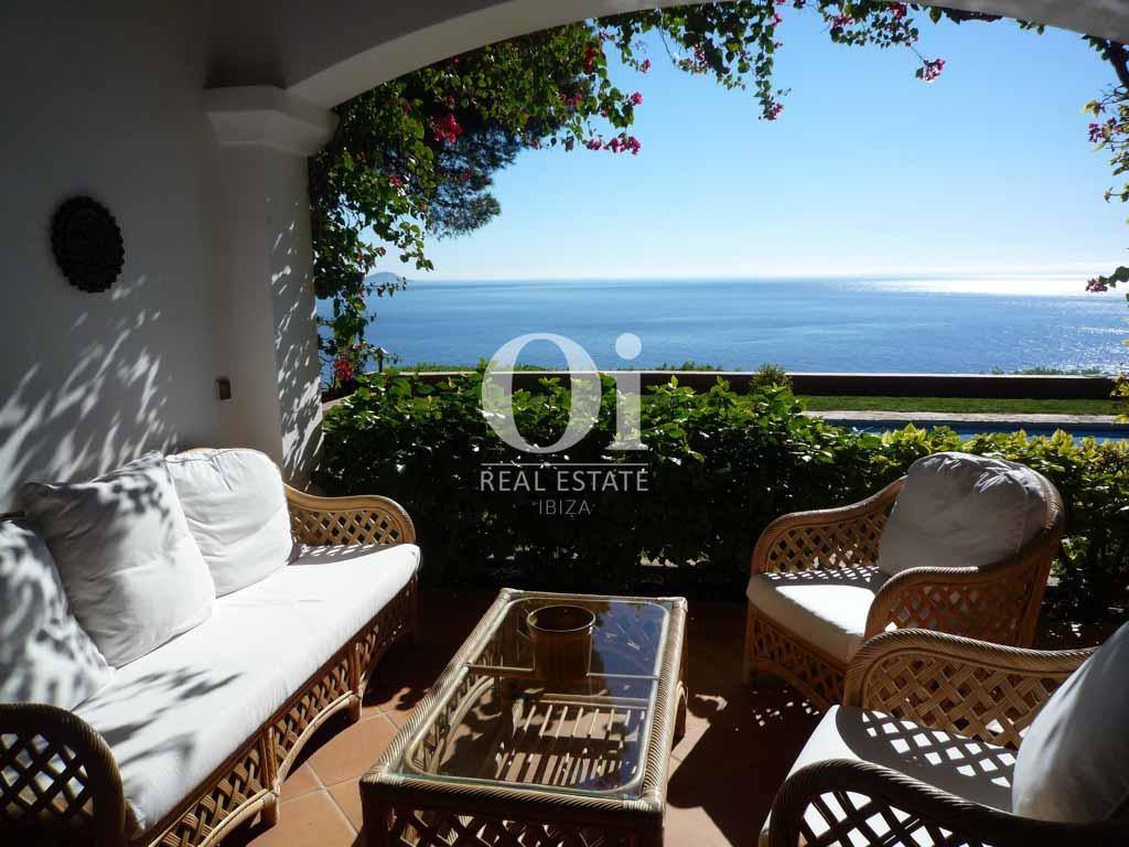 Comedor de verano de magnifica villa en alquiler en Es Cubells, Ibiza