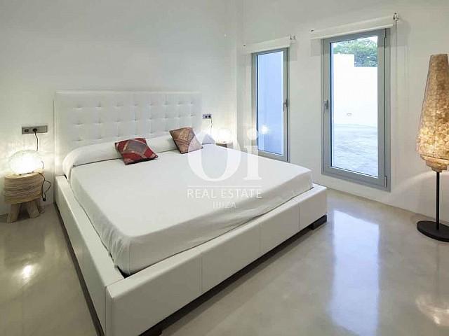Эксклюзивный дизайн спален на вилле класса люкс на Ибице