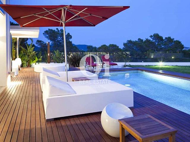Vistas de exclusiva casa en alquiler en Ibiza