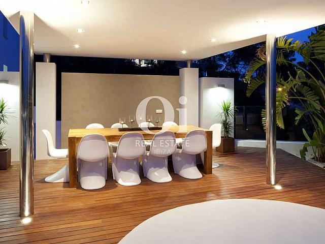 Comedor de verano de exclusiva casa en alquiler en Ibiza