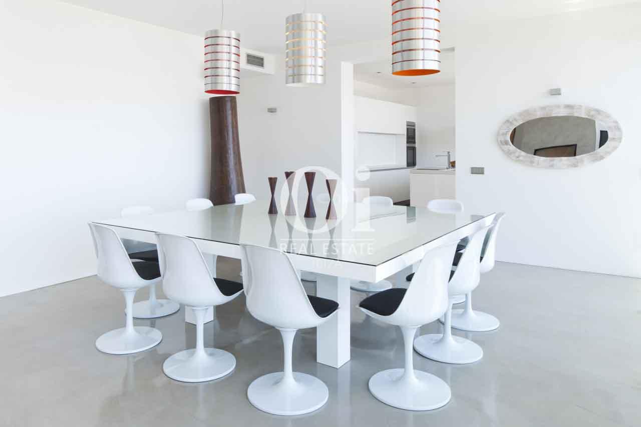 Salón-comedor de exclusiva casa en alquiler en Ibiza