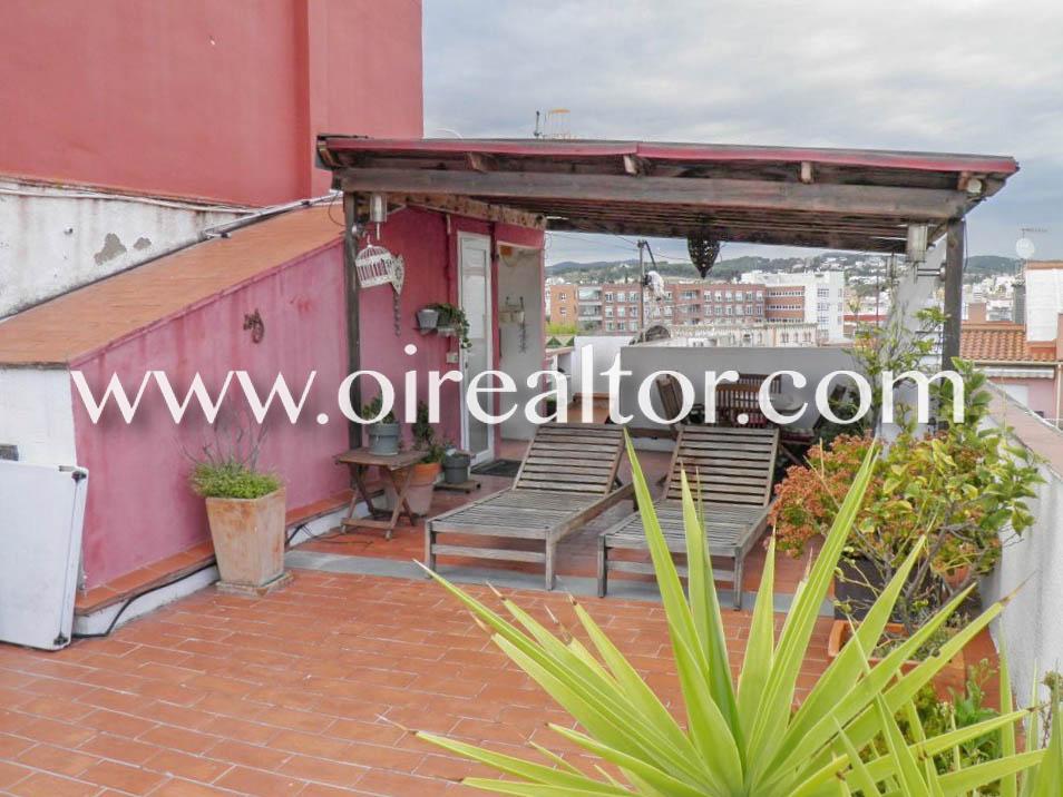 Очаровательный таунхаус на продажу, расположенный в центре Бланес, Коста Брава