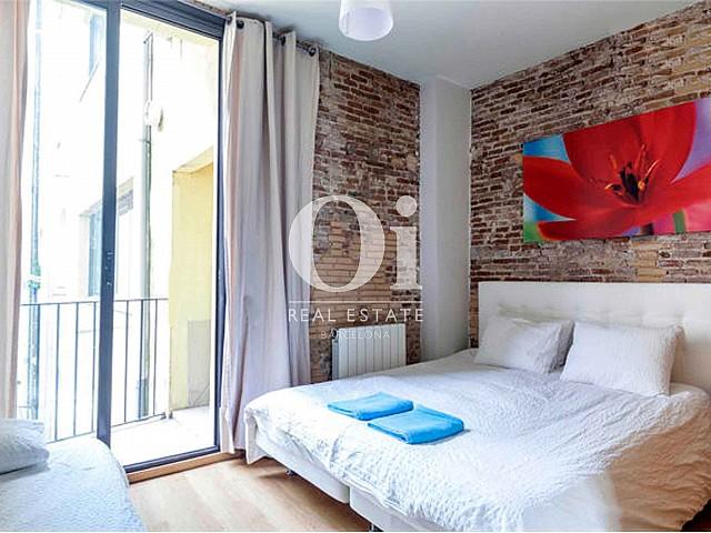 Dormitorio de magnifico apartamento en venta en Raval