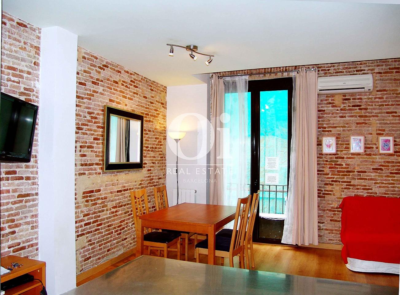 Salón-comedor de magnifico apartamento en venta en Raval