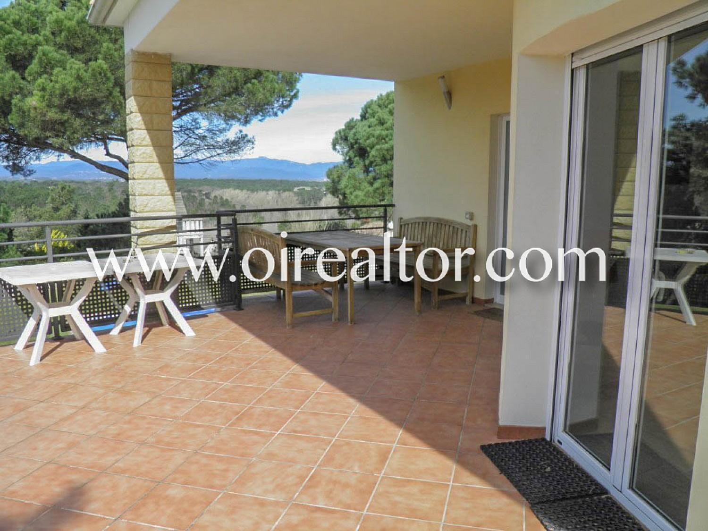 Продается дом с двумя независимыми домами в урбанизации Puigventós de Lloret de Mar