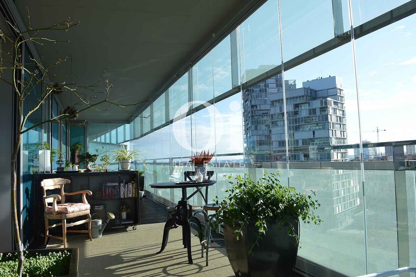 Шикарная терраса с завораживающими видами в апартаментах на продажу в районе Diagonal Mar Барселоны