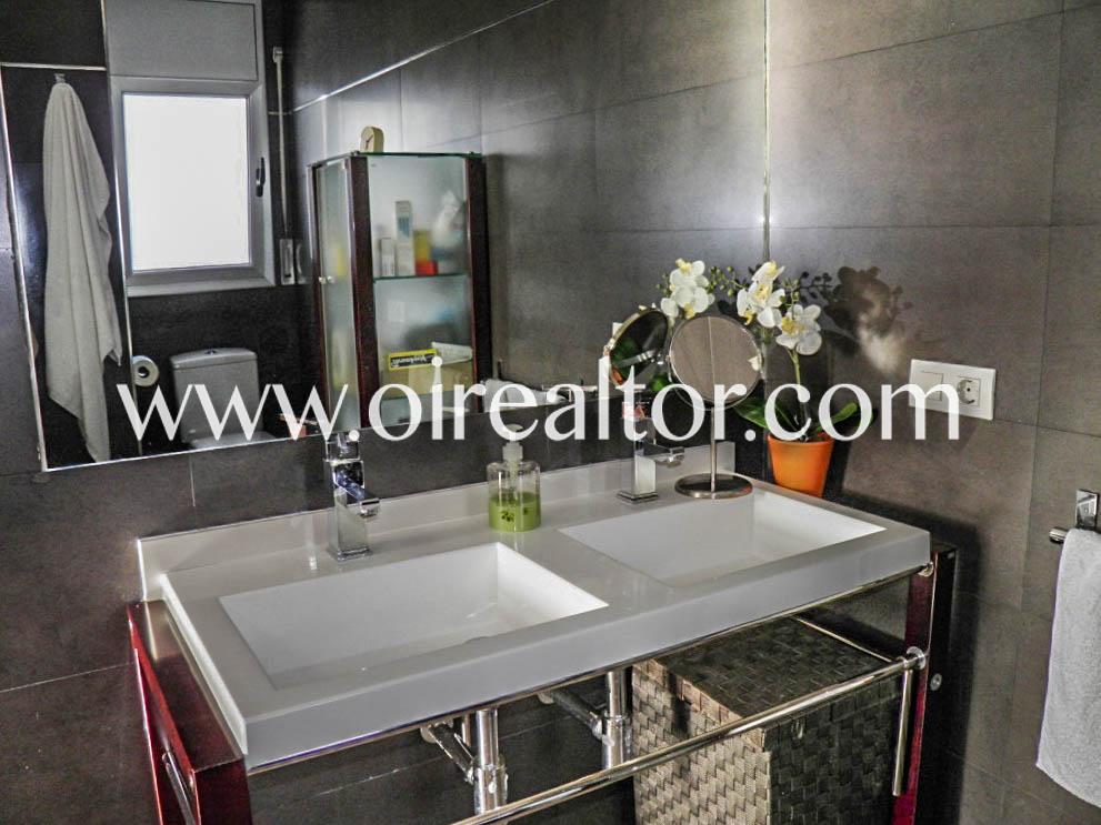 Дом для продажи восьми комнат в урбанизации Монбарбат в Масане де ла Сельва