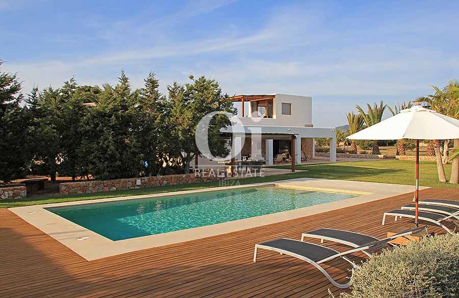 Blick auf den Pool der Villa zur Miete in Es Codolar, Ibiza