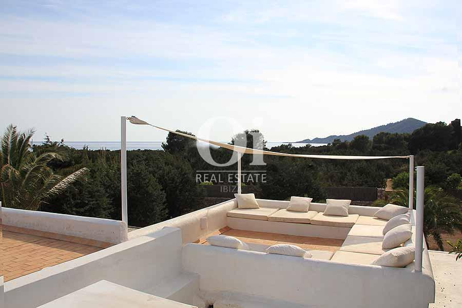 Vistas al mar de maravillosa villa en alquiler en Ibiza