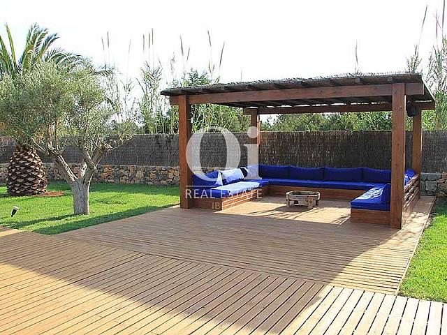 Arbor de maravillosa villa en alquiler en Ibiza