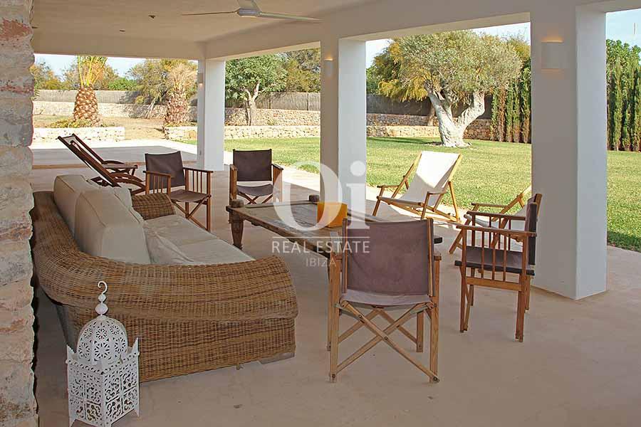 Blick auf die Terrasse der Villa zur Miete in Es Codolar, Ibiza