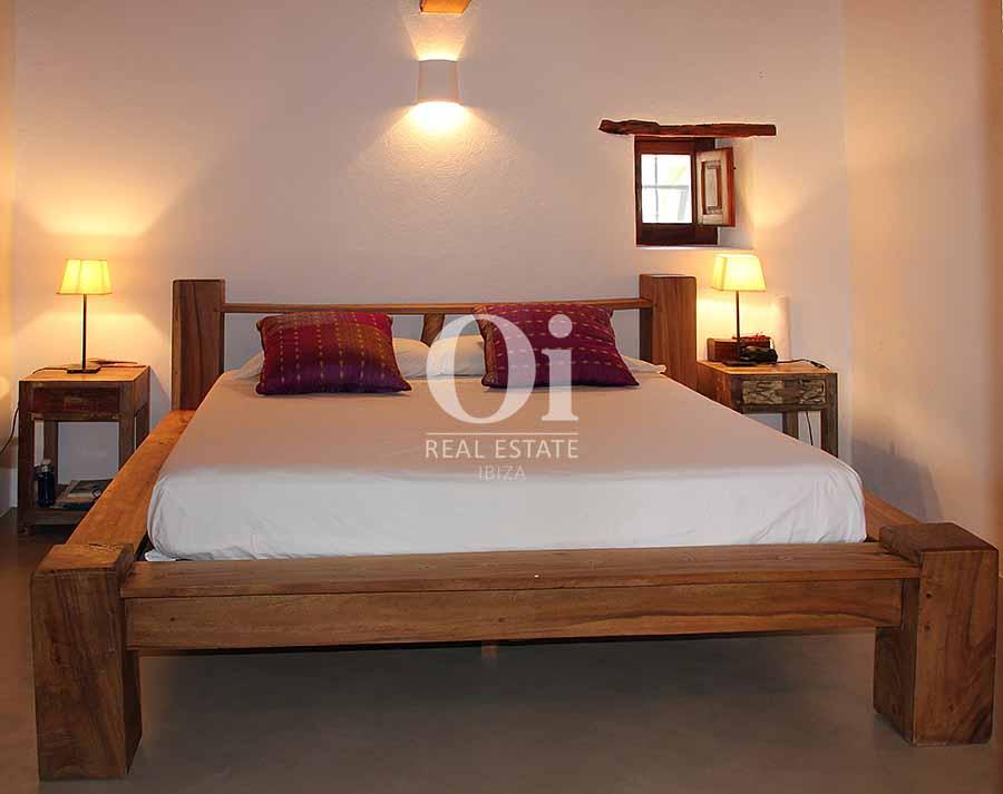 Уютный дизайн комнат на шикарной вилле в аренду на короткий срок на Ибице
