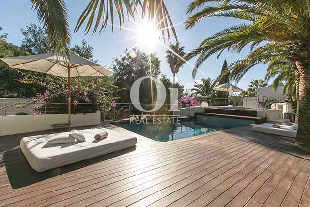 Terraza de magnifico chalet en alquiler en Ibiza