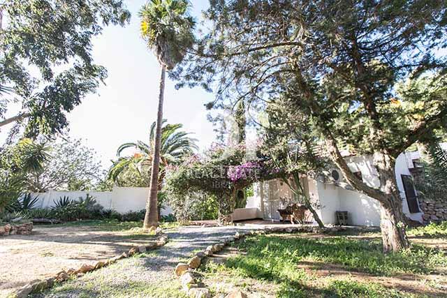 Vistas de magnifico chalet en alquiler en Ibiza