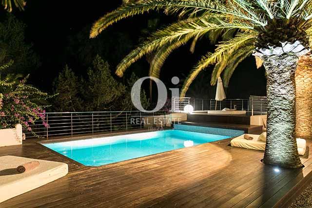 Piscina propia de magnifico chalet en alquiler en Ibiza