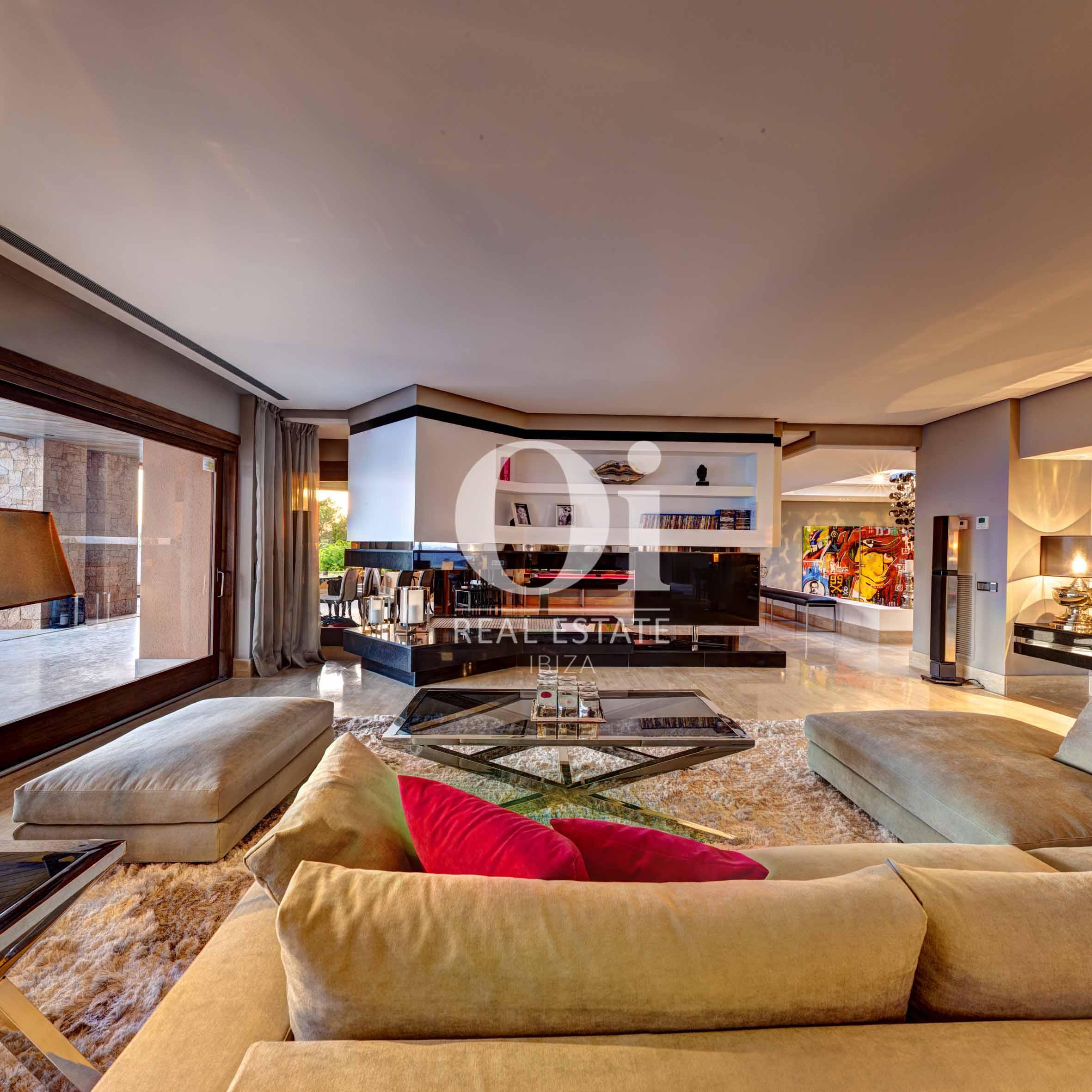 Гостиная на вилле, доступной для арендования в летний период в г. Хесус, Ибица
