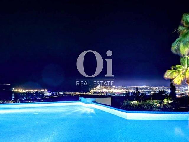 Blick auf den Pool der Luxus-Villa zur Miete bei Ibiza-Stadt