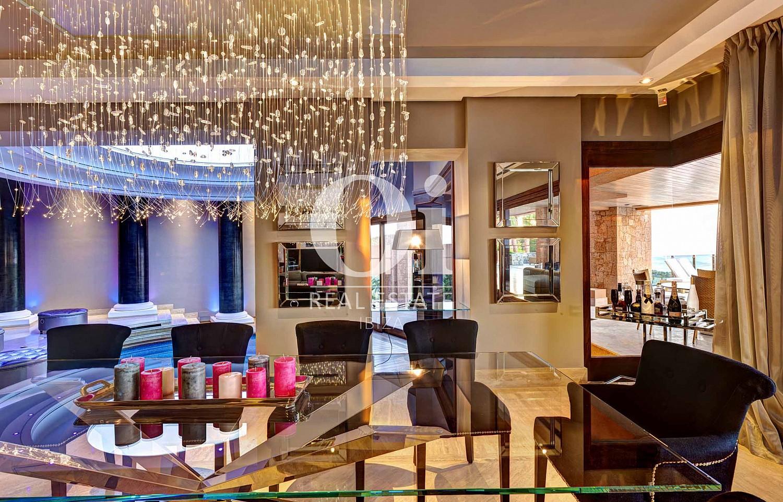 Столовая на вилле, доступной для арендования в летний период в г. Хесус, Ибица