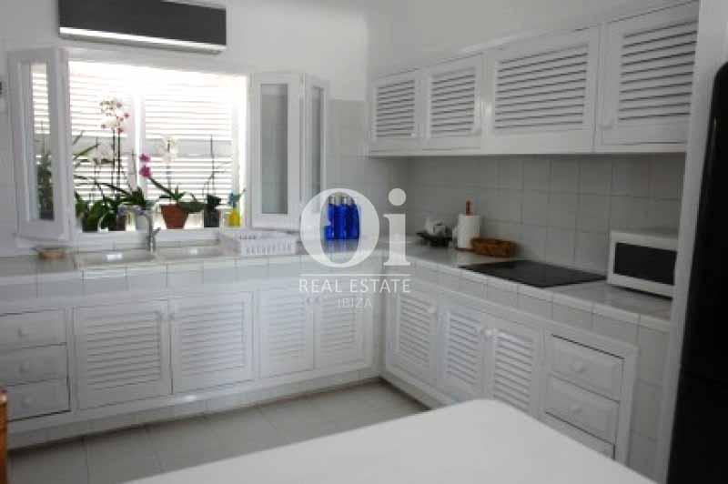 Cocina de casa en alquiler de estancia en Ses Salines, Ibiza