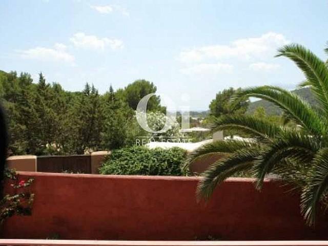 Шикарный вид из чудесной виллы в краткосрочную аренду в Ses Salines