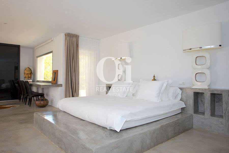 Двуместная спальня на вилле, сдающейся в аренду в летний период в Les Salines, Ибица