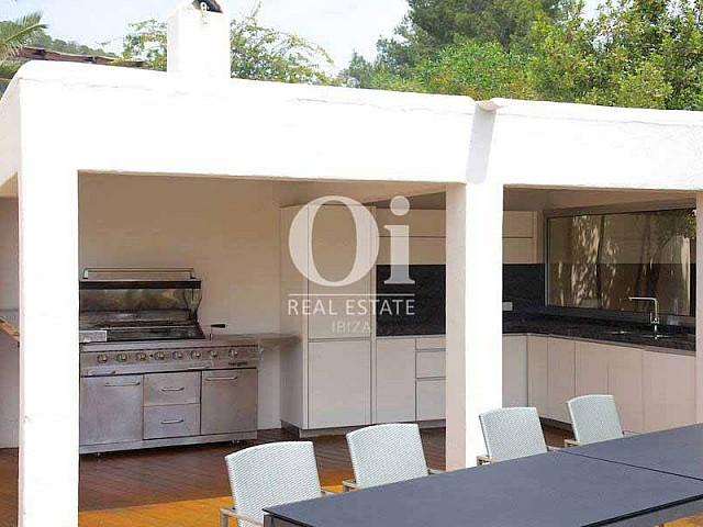 Blick auf den Grillplatz von der Villa zur Miete auf Ibiza