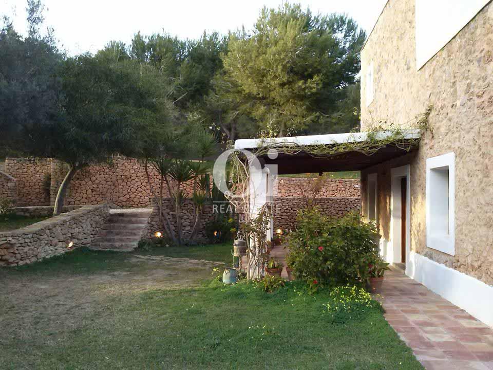 Exteriores de casa en alquiler de estancia en zona de San José, Ibiza