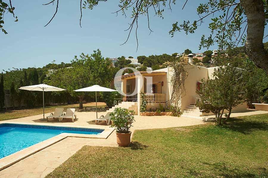 Exterior de casa en alquiler de estancia en Ses Salines, Ibiza