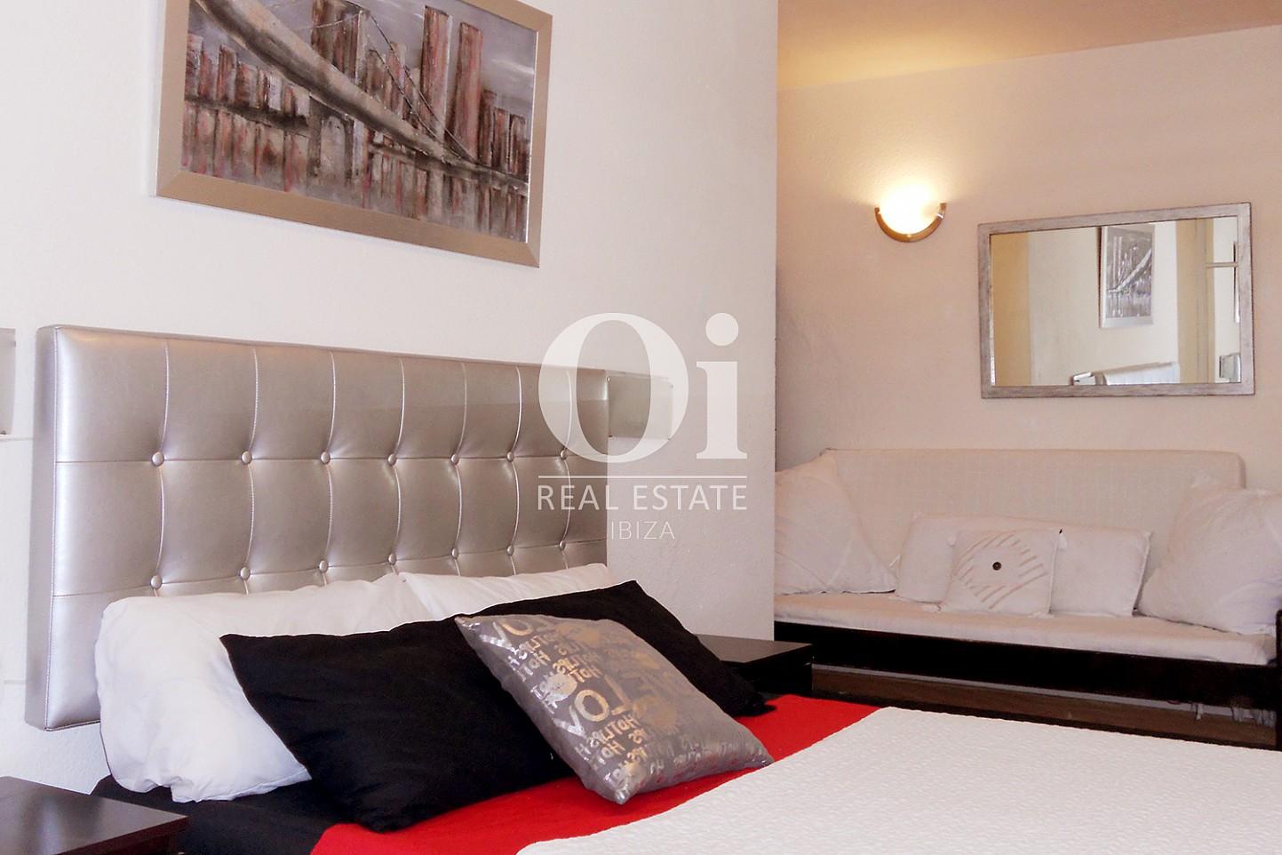 Chambre double d'appartement à louer à Marina Botafoch, Ibiza