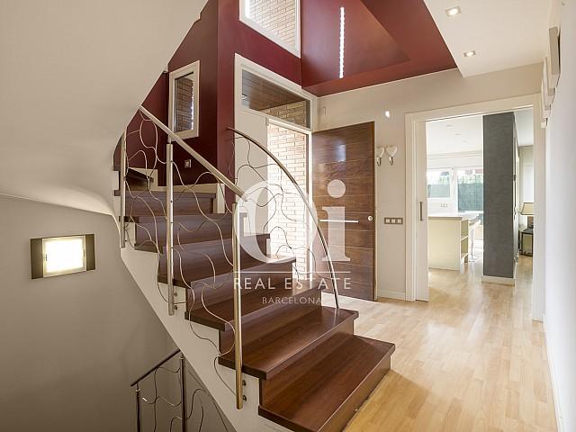 Escalera de casa en venta en Cardedeu, Barcelona.