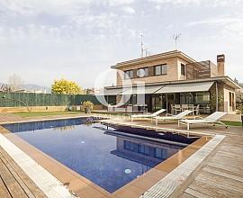 Casa en venta en exclusiva urbanización en Cardedeu