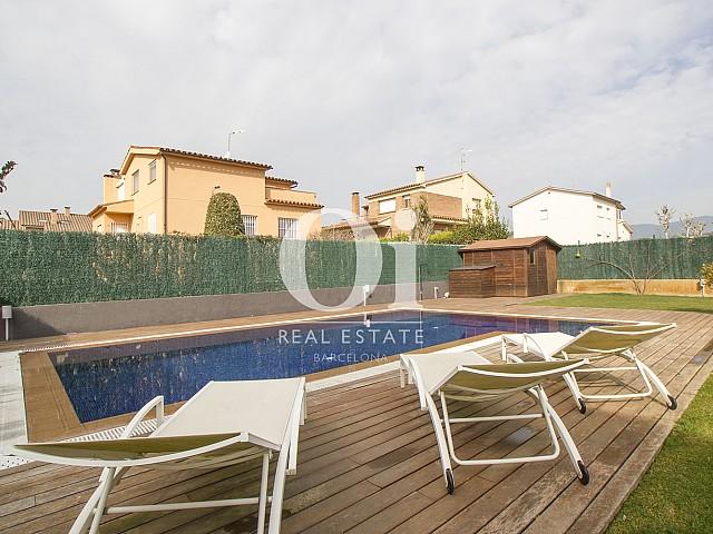Blick auf den Pool vom Haus zu verkaufen in Cardedeu.