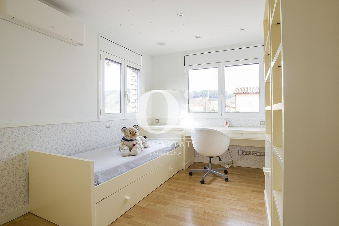 Одноместная комната в доме на продажу в Cardedeu, Барселона